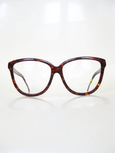Vintage Oversized Cat Eye Glasses Tortoiseshell by OliverandAlexa Hipster Chic, Indie Hipster, Glasses For Round Faces, Sexy Pin Up Girls, Eye Wrinkle, Crows Feet, Cat Eye Glasses, Optician, Reading Glasses