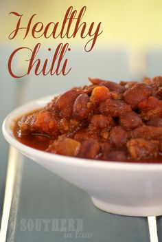 Comfort food without the calories? This Healthy Chilli recipe is incredible and also clean eating friendly, low fat, gluten free, freezer friendly, paleo and so simple to make. It can also be vegan with a few simple substitutions!