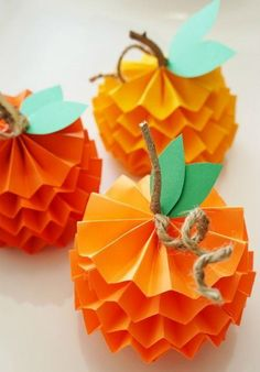 15 Fun + Festive Thanksgiving Crafts for Kids – Crafts Thanksgiving Crafts For Kids, Halloween Crafts For Kids, Paper Crafts For Kids, Crafts For Teens, Thanksgiving Decorations, Holiday Crafts, Paper Crafting, Crafts To Make, Easy Crafts