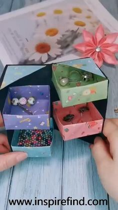 Tips for paper jewelry storage box!😀 Tips for paper jewelry storage box!😀 ,box This is a very useful origamin project. Diy Crafts Hacks, Diy Crafts For Gifts, Diy Arts And Crafts, Creative Crafts, Easy Crafts, Creative Box, Diy Projects, Handmade Crafts, Paper Crafts Origami