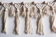 DIY Macramé Bunting, Super Fun & Suitable for Beginners Macrame Bag, Macrame Necklace, Diy Necklace, Crochet Necklace, Creative Decor, Loom Knitting, Plant Hanger, Diy Art, Needlework