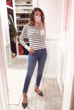 Can't resist stripes and this light sweater is perfect for Spring 🌸 Stylish Mom Outfits, Office Outfits, Fall Outfits, Casual Outfits, Fashion Outfits, Womens Fashion, Fashion Trends, Casual Ootd, Sweater Outfits