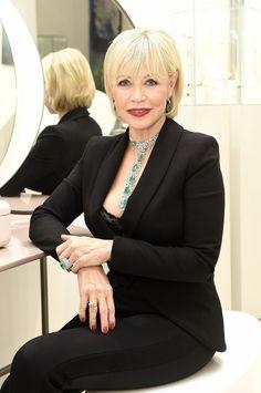 Jana Švandová je i po sedmdesátce velmi atraktivní žena. Jane Fonda