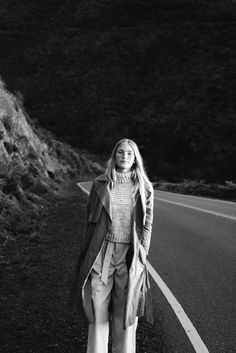 Tidal Magazine Sneak Peek Featuring Lisa Says Gah Moda Fashion, Style Fashion, Trendy Clothes For Women, Black N White, Minimal Fashion, Fall Looks, Thing 1, Selfie, Editorial Fashion