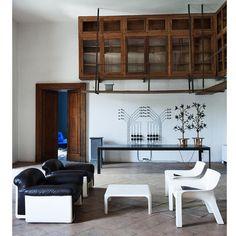 Arkitektens private palads. Se mere i det nye RUM. #designicons #architectlove #nytrumpågaden #photonathaliekrag