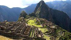 Roteiro completo - 12 dias no Peru (Lima, Cusco, Valle Sagrado, Machu Picchu e Puno - Lago Titicaca) Lonely Planet, Turismo No Peru, Oh The Places You'll Go, Places To Visit, Huayna Picchu, Canyon Country, Beau Site, Sightseeing Bus, The Journey