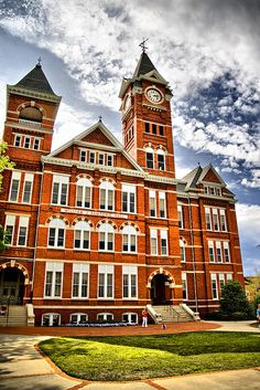 We named our Samford Scarf after this beautiful building! #auburn