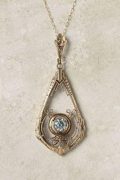 Absolutely stunning pendant necklace - looks like aquamarine