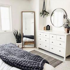 Beautiful Scandinavian Style Bedroom Decor Ideas - Home & Decor - Bedroom Decor Bedroom Apartment, Home Decor Bedroom, Decor Room, Bedroom Inspo, Bedroom Wardrobe, Bedroom Kids, Bedroom Furniture, Diy For Bedrooms, Cheap Furniture