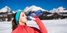 Feel your best during cold-weather vacation with these winter health tips. We rounded up 7 tips for winter travelers to keep the body feeling its best. Eating For Weightloss, Best Skis, Outdoor Workouts, Healthy Living Tips, Train Hard, Get Healthy, 5 Ways, Fat Burning, Pilates
