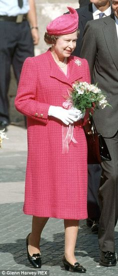 Queen Elizabeth II and Prince Philip in Barcelona during an official visit to Spain. (Photo by Tim Queen Hat, Queen Outfit, Kate Middleton, Diana, Queen Of England, Princess Margaret, Elisabeth, Save The Queen, Queen Elizabeth Ii