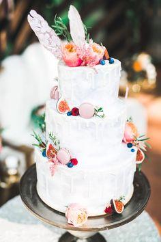 Stilvolle Ideen für eine Hochzeitstorte mit Fondant - Hochzeitskiste Luxury Cake, Luxury Wedding Cake, Dream Wedding, Wedding Cake Toppers, Wedding Cakes, Fun Wedding Activities, Naked Cakes, Mr And Mrs Wedding, Wedding Cake Inspiration