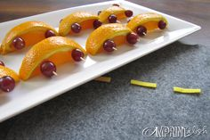 Cute way to do fruit, orange slices and grapes! Race Car Birthday, Race Car Party, Cars Birthday Parties, Birthday Fun, Birthday Ideas, Construction Birthday Parties, Construction Party, Lightning Mcqueen Party, Healthy Snacks For Kids