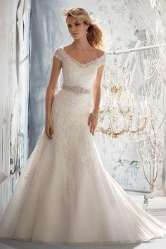 2013 Wedding Dresses Trumpet/Mermaid V Neck Sweep/Brush Train Organza Sleeves