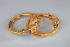 Marriage Advice From Parents Info: 4499768175 Plain Gold Bangles, Gold Bangles Design, Gold Earrings Designs, Gold Jewellery Design, Marriage Jewellery, Gold Jewelry Simple, Schmuck Design, Baby Jewelry, Kids Jewelry