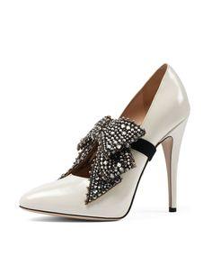 Gucci Elaisa Crystal Bow Pump
