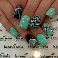 Nail art amazing nail designs nails, stylish nails e gel nai Fancy Nails, Pretty Nails, Sparkle Nails, Nice Nails, Glitter Nails, Jewel Nails, Uñas Fashion, Ladies Fashion, Fashion Ideas