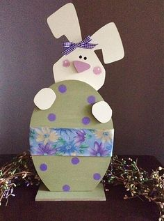 Items op Etsy die op Standing bunny with Easter Egg, tall lijken Easter Egg Crafts, Holiday Crafts, Spring Crafts, Large Plastic Easter Eggs, Easter Wreaths, Spring Wreaths, Diy Easter Decorations, Ribbon Design, Window Sill
