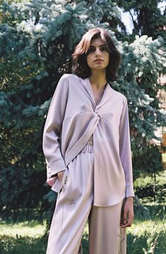 See all the Collection photos from Nanushka Spring/Summer 2018 Resort now on British Vogue Fashion 2020, 90s Fashion, Autumn Fashion, Fashion Outfits, Womens Fashion, Loungewear Outfits, How To Wear Scarves, Pajamas Women, Lounge Wear