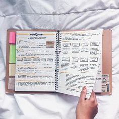 graduation drawing abschluss abschlussfeier Gallery Are these the quot; School Organization Notes, Study Organization, Cute Notes, Pretty Notes, College Notes, School Notes, Studyblr, Graduation Drawing, Paige Hyland