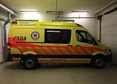 SERVICIO AMBULANCIAS EMERGENCIAS DE #HUNGRIA  Nos llegan imágenes de una unidad del servicio de ambulancias de emergencias de Hungría, para que podáis ver cmo es la unidad y su equipamiento.  - Qué os parece su equipamiento y carrozado ? http://www.ambulanciasyemergencias.co.vu/2015/08/HUNGRIA.html  #ambulancias #mentőautó #ambulanza #anbulantzia #emergencias #vészhelyzetek #TES #TTS