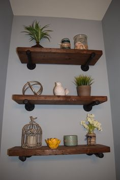 6 Quick Clever Tips: Floating Shelf Entertainment Center Mid Century how to build floating shelves bathroom.Floating Shelves For Tv Entertainment Units floating shelf entryway cabinets.How To Make A Floating Shelf Decor. Wooden Floating Shelves, Floating Shelves Bathroom, Rustic Floating Shelves, Rustic Wooden Shelves, Small Bathroom, Rustic Bookshelf, Bookshelf Wall, Pallet Shelves, Home Furniture