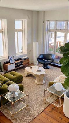Home Living Room, Apartment Living, Living Room Decor, Living Room Inspiration, Home Decor Inspiration, Room Interior, Home Interior Design, Dream Home Design, House Design