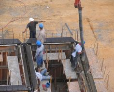 بتن ریزی ساختمان  ساخت ستون های بتنی در ساختمان  اجرای بتن ریزی  سقف بتنی  آلماتوربندی Construction, Building
