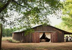 The Barn At Twin Oaks Ranch - Dardanelle AR - Rustic Wedding Guide