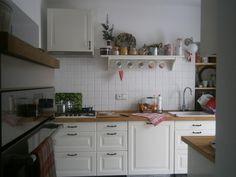 Fotoblogy - Všichni Kitchen Cabinets, Table, Furniture, Home Decor, Decoration Home, Room Decor, Cabinets, Tables, Home Furnishings