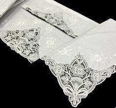 Sábana de algodón 100% de alta calidad de la marca Tolrá, decorada con puntillas y bordados de flores.  Una de las más románticas sábanas de nuestra tienda. Algodón peinado de alta calidad, una sábana exclusiva y excepcional. Puedes comprar estas sábanas en www.lagarterana.com