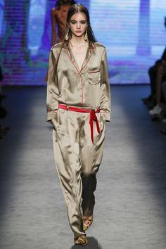 http://www.vogue.com/fashion-shows/fall-2016-ready-to-wear/alberta-ferretti/slideshow/collection