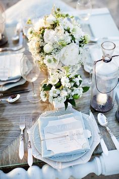 blue and white beachy place-setting idea | Photo by Millie Holloman Photography