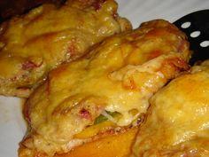 Nem vagyok mesterszakács: Fűszeres pulykasteak színes paprikákkal, paradicsommal, lilahagymával, baconnal és sok sajttal sütve