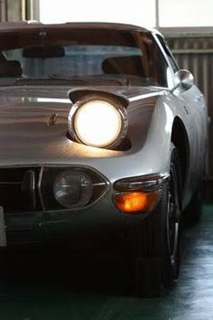 Classic Car News Pics And Videos From Around The World Toyota 2000gt, Exotic Sports Cars, Exotic Cars, Jaguar, Japan Motors, Type E, Car Racer, Pretty Cars, Japan Cars