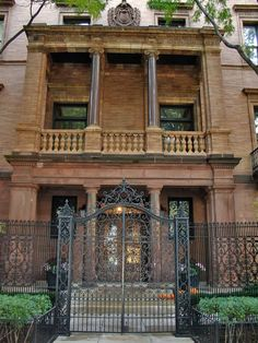 gorgeous gate and fence of a home in the historic Gold Coast District, Chicago, IL via The Gentlemen's Library