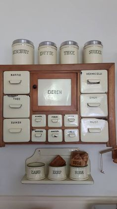 This would be incredible if there is any wall space in a kitchen. - Home Accessories Best of 2019 Shabby Chic Interiors, Shabby Chic Homes, Shabby Chic Decor, Rustic Decor, Farmhouse Decor, Shabby Chic Kitchen, Vintage Kitchen, Shabby Vintage, Vintage Items
