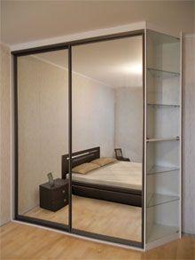 Корпусный шкаф-купе с зеркалом