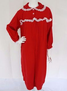 VERMONT COUNTRY STORE Red Flannel Nightgown White Lace Trim Womens Petite MEDIUM #VermontCountryStore #Gowns