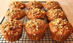Easy banana and walnut muffins recipe - Recipes tips Muffin Recipes, Baby Food Recipes, My Recipes, Baking Recipes, Favorite Recipes, Sugar Free Desserts, No Bake Desserts, Dessert Recipes, Banana Chocolate Chip Muffins