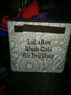 Store your LuLaRoe leggings in Thirty One cube with Lid. Don't forget to personalize it! See this and more at jennpennbags.com