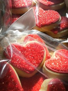 <3 Super glittery red heart cookies for Valentine's Day
