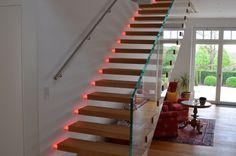 Modernes Treppendesign mal neu gedacht!LED und schwebender Look. Maximale Wirkung!