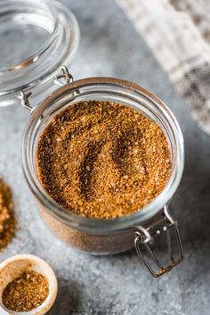 This Homemade Taco Seasoning recipe is made without any added sugar or weird ingredients - just a delicious blend of Mexican spices and herbs to get your taco party started! Make Taco Seasoning, Seasoning Mixes, Seasoning Recipe, Taco Salad Recipes, Mexican Food Recipes, Mexican Dishes, Crockpot Recipes, Keto Recipes, Ground Beef Tacos