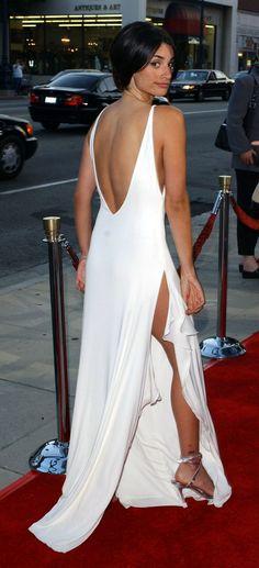 Penelope Cruz gorgeous in white gown 2001