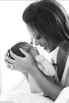 Vanessa Lachey posted this Twitter picture of her with baby Camden