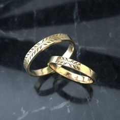 Rustic wedding style ring, Leaves and berries wedding band, Gold wedding ring for women, unique wedding band, 14k gold wedding band. This special nature inspired wedding ring can be stacked with an engagement ring or with other everyday rings. * Band thickness: 1.2mm * Band Hight: 3