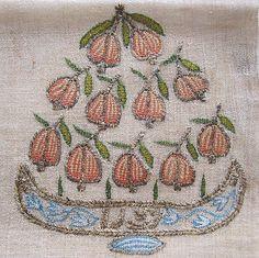 Turkish-embroidery-yaglik-Pomegranate-Ottoman-Embroidery-Pomegranate-Museum