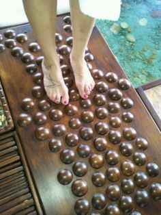 Percorso sensoriale:le sfere di legno