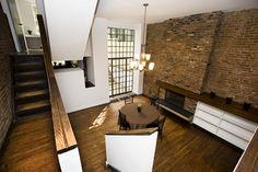 In 1965, rising architect James Stewart Polshek designed the interior of this townhouse in NYC. From the glass rear wall to the modern staircase, this home's bold elements create a modern blueprint for a contemporary renovation.This brownstone was Polshek's first residential commission. The architect designed only a few residences during his long career.  He went on to design/ redesign public spaces including the Brooklyn Museum & Carnegie Hall. #nyc #townhouse #brownstone #Polshek…